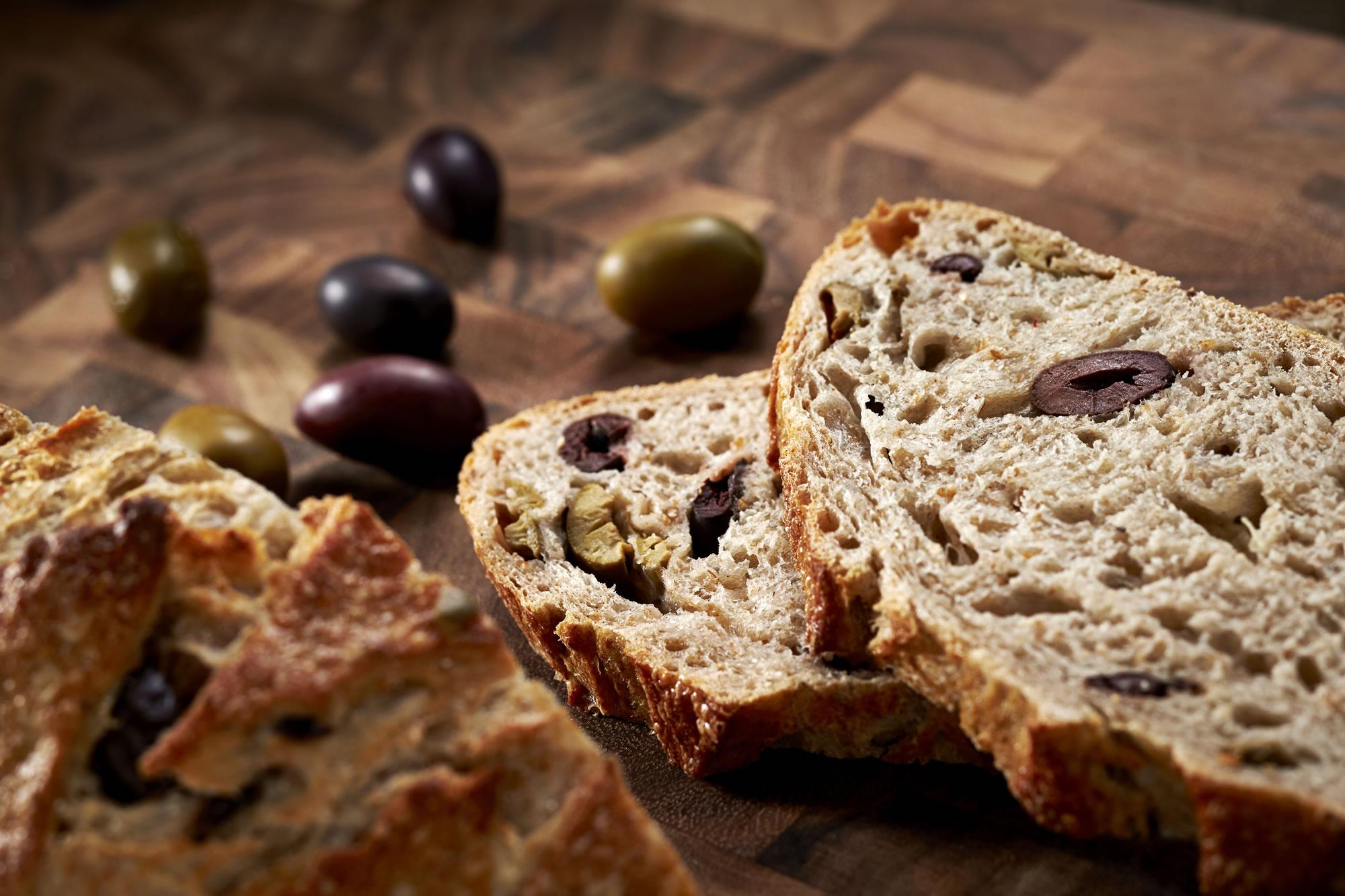 Znalezione obrazy dla zapytania Rye bread with olives
